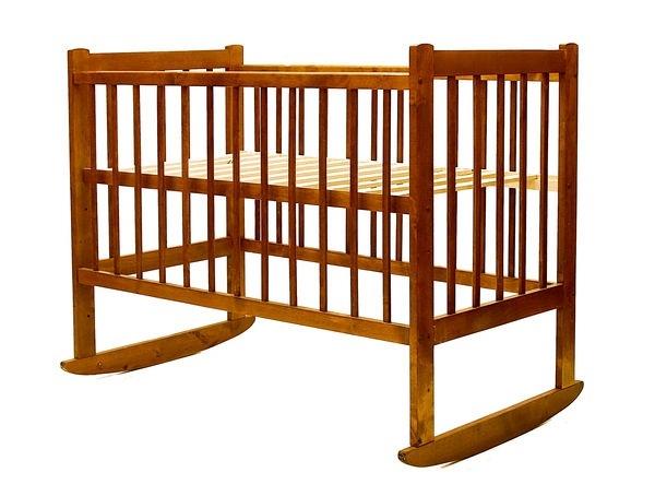 фотография деревянной детской кроватки
